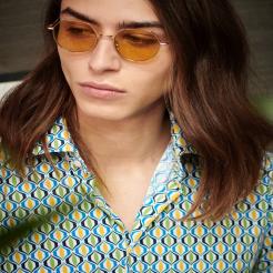 Chemise Brasilia pour une allure hyper branchée. Le parfait mélange entre les sixties et les folles années 20.  Les couleurs sont vives et douces, parfaites pour l'été 🌻  #chemise #saissonestivale #hyperstretch #nodus #ete2021 #nodusparis #menswear #menfashion #sustainability #outfit