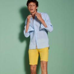 Flâner sur la Riviera en bermuda Marcel, le rêve ! Sa couleur citron est à croquer 🍋 Un régal ✨ . . . . #bermuda #saisonestivale #marcel #nodus #ete2021 #nodusparis #menswear #menfashion #coton #naturalfibers
